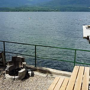 eagle bay landing shuswap lakeside vacation rental. Black Bedroom Furniture Sets. Home Design Ideas